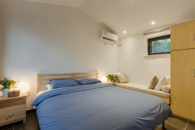 6号院卧室
